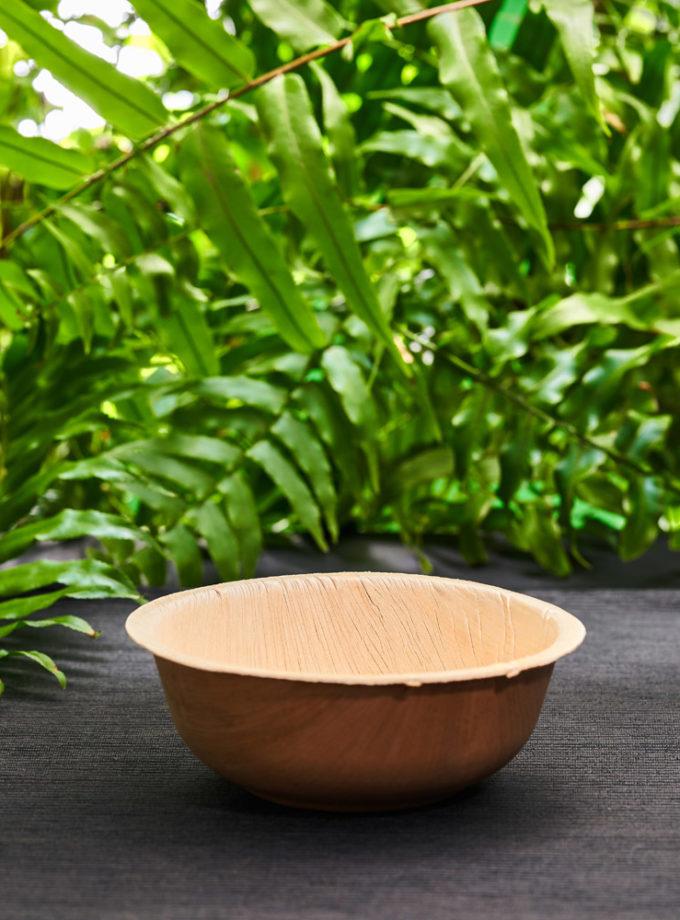 miska z liści palmowych